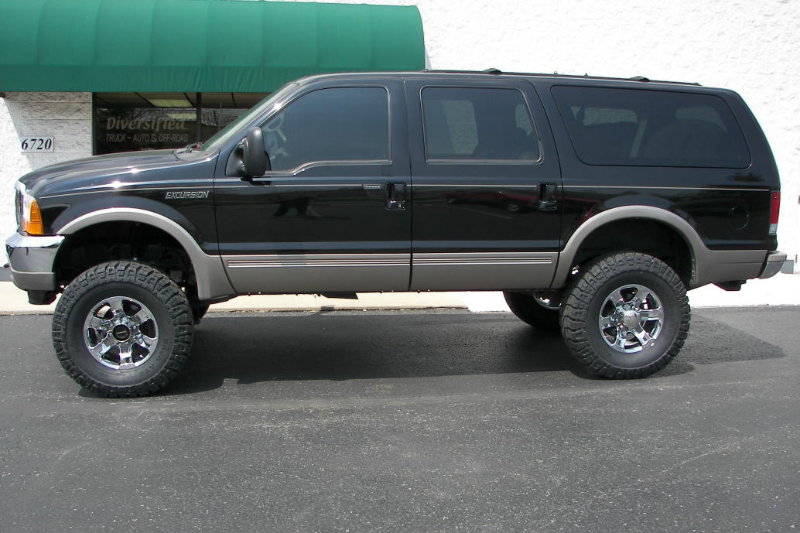 Ford Expedition Diesel >> Ford Expedition Black Raised Suv Almost Like Mine Ford