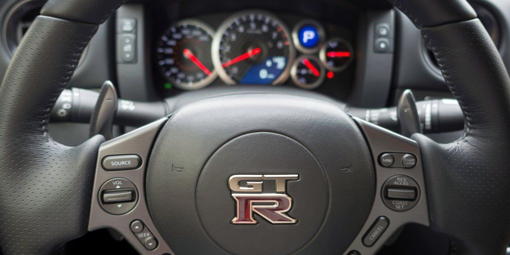 nissan gt r intrieur volant
