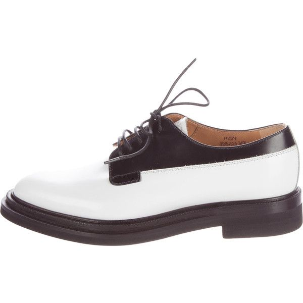 Pre-owned Church's Two-Tone Leather Oxfords (€215) ❤ liked on Polyvore featuring shoes, oxfords, black, black oxford shoes, black lace up shoes, black leather oxfords, leather sole shoes and oxford shoes