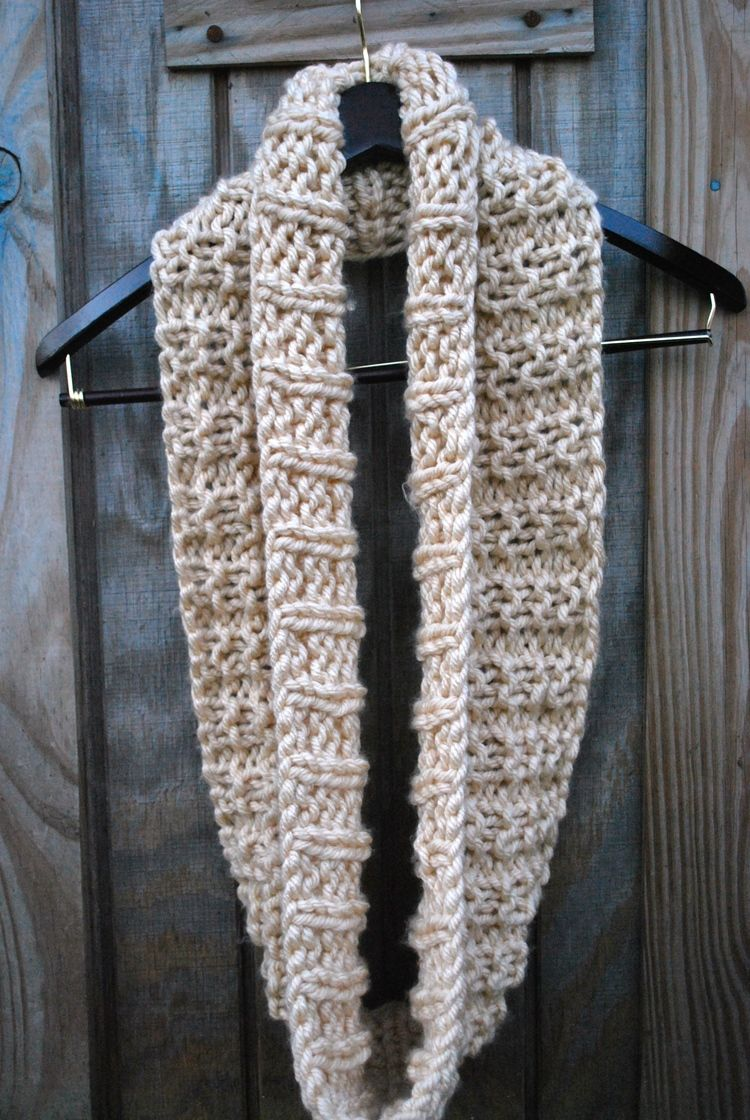 Free knit infinity scarf pattern. Lion brand quick & thick yarn. 2 ...