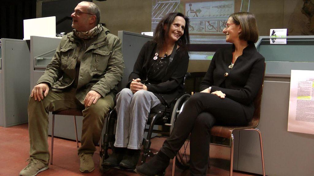 Il fotografo Vittorio Rossi, Nicoletta Ferrari e Daniela Brunelli presentano la mostra Verona on wheels alla biblioteca frinzi dell'università di verona