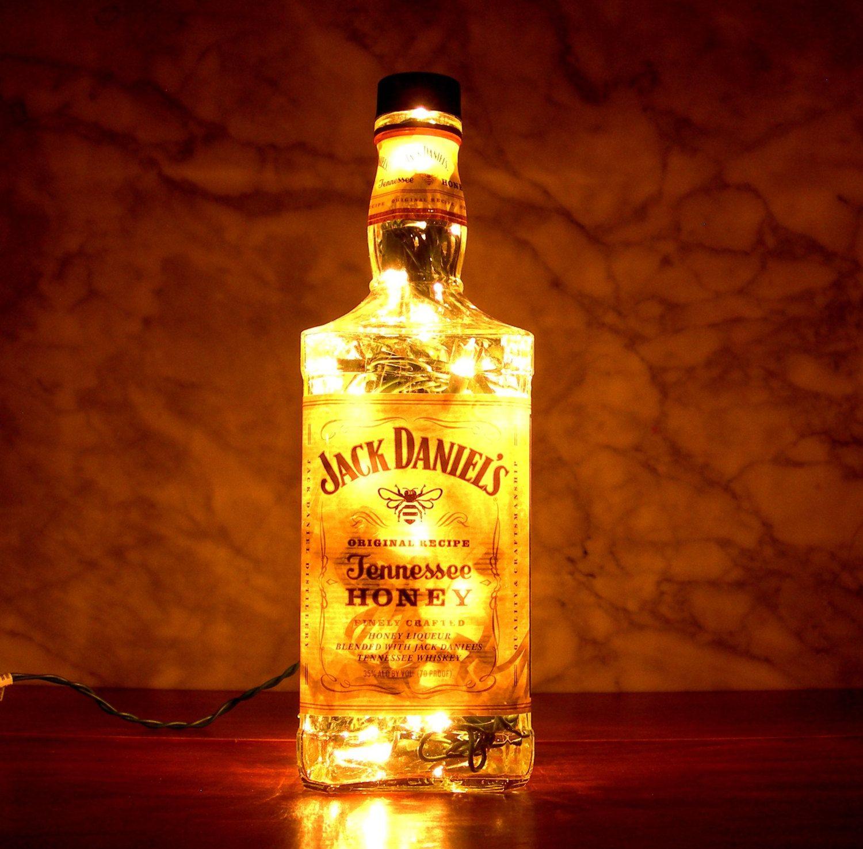 Jack daniel 39 s tennessee honey whisky liquor bottle lamp for Things to make out of liquor bottles