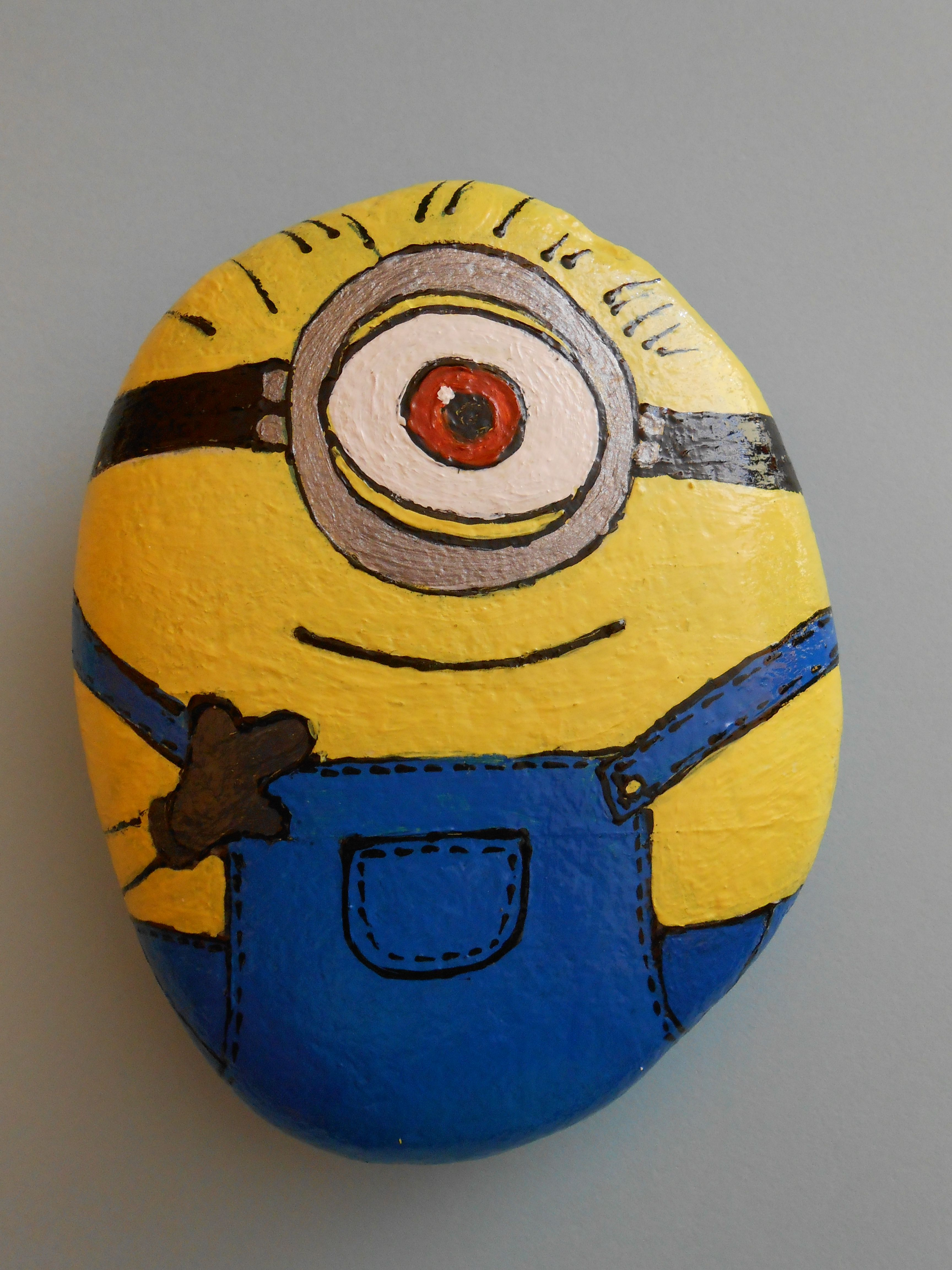 Painted Minion Pumpkins Four Minion Rocks Painted By Godsglitter On Etsy Painted Rocks