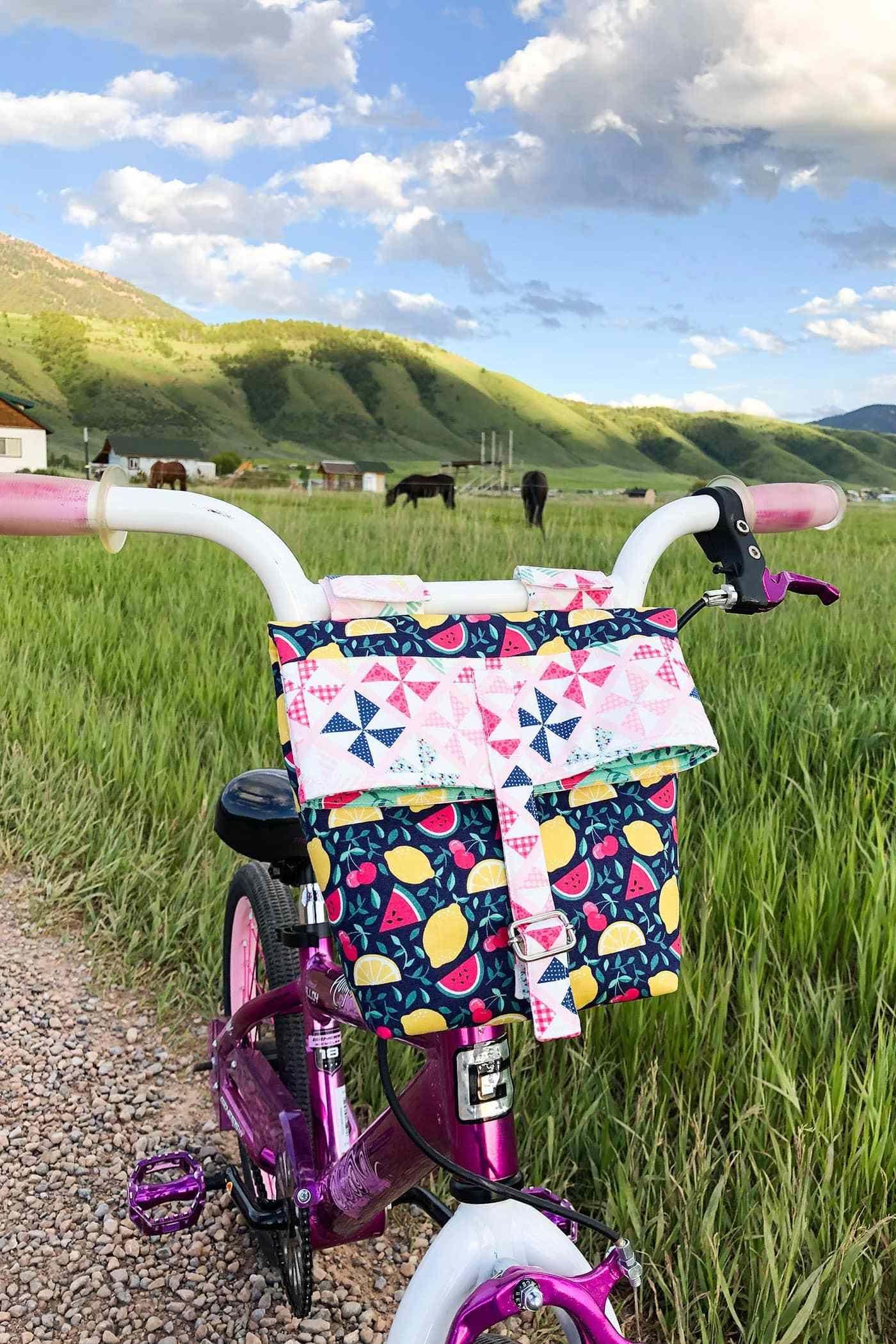 Diy Bike Handlebar Bag Pattern In 2020 Handlebar Bag Pattern Handlebar Bag Summer Sewing Projects