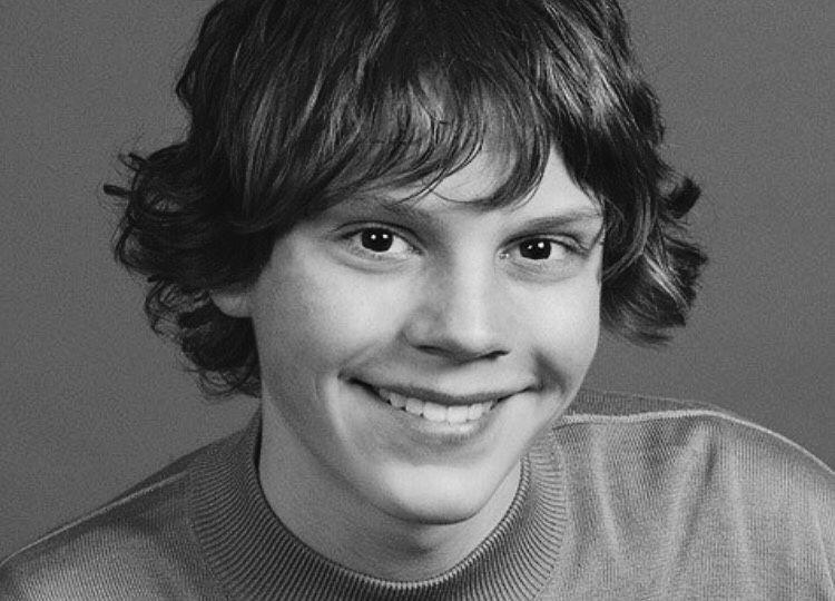Young Evan Peters Everybody American Horror Story Evan Peters American Horror Story Evan