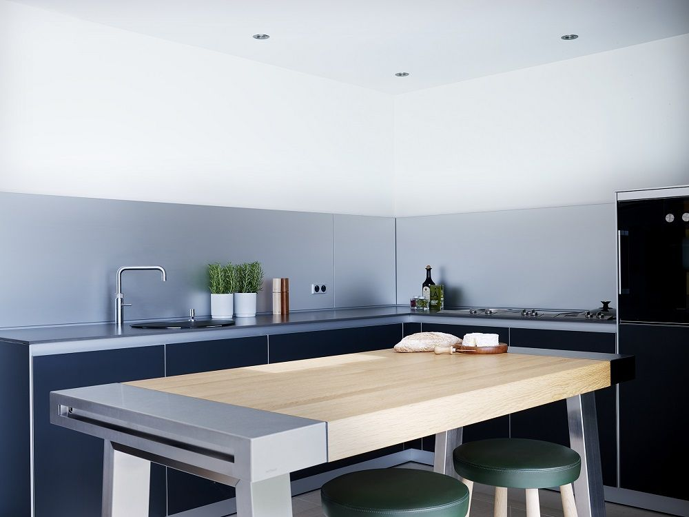 Oak and Stainless Steel bulthaup b2 workbench. Looe Project   Sapphire Spaces
