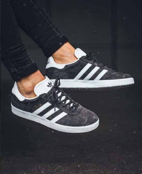 buy online be8ca 8c719 Zapatillas Adidas Originals Gazelle gris marengo para chica. Adidas Gazelle  grey for women.