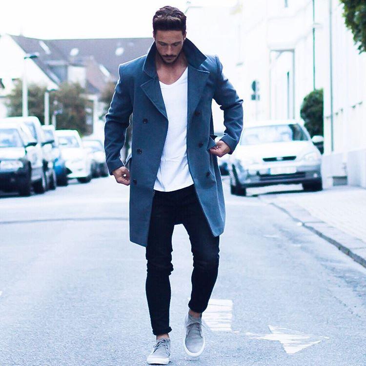 """Daniel på Instagram: """"Simple look* Have a nice evening! #coat #colder #days"""""""