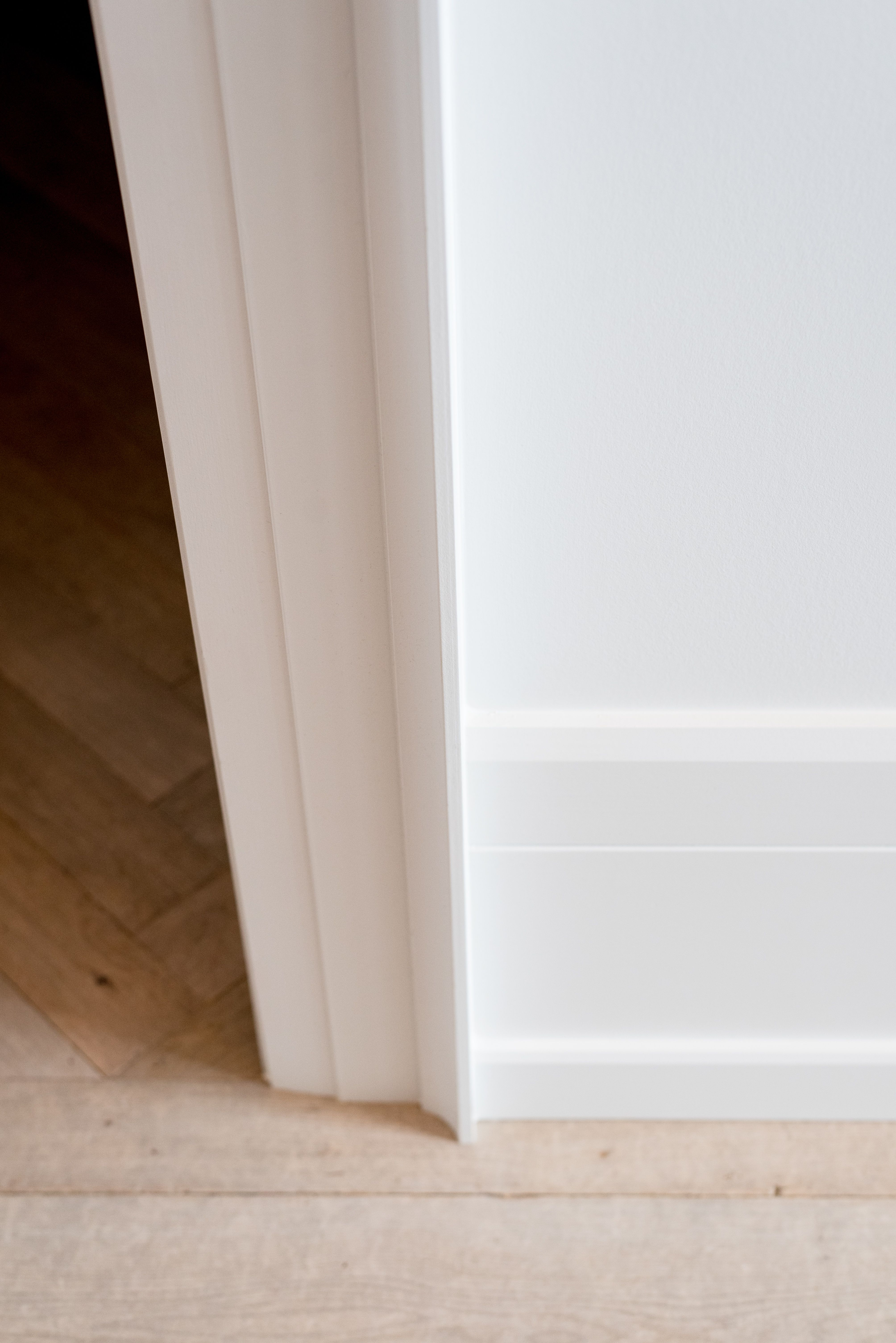 Modern Baseboard With Shoe Mould And Contemporary Casing With