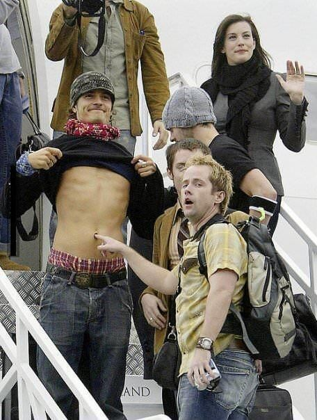 Behind the Scenes ‏@MakingOfs   Lord of the Rings Cast having a good time...
