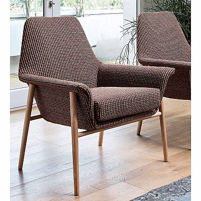 Classic and ultramodern 'Dafne' lounge armchair. Beautiful design, high quality materials. My Italian Living