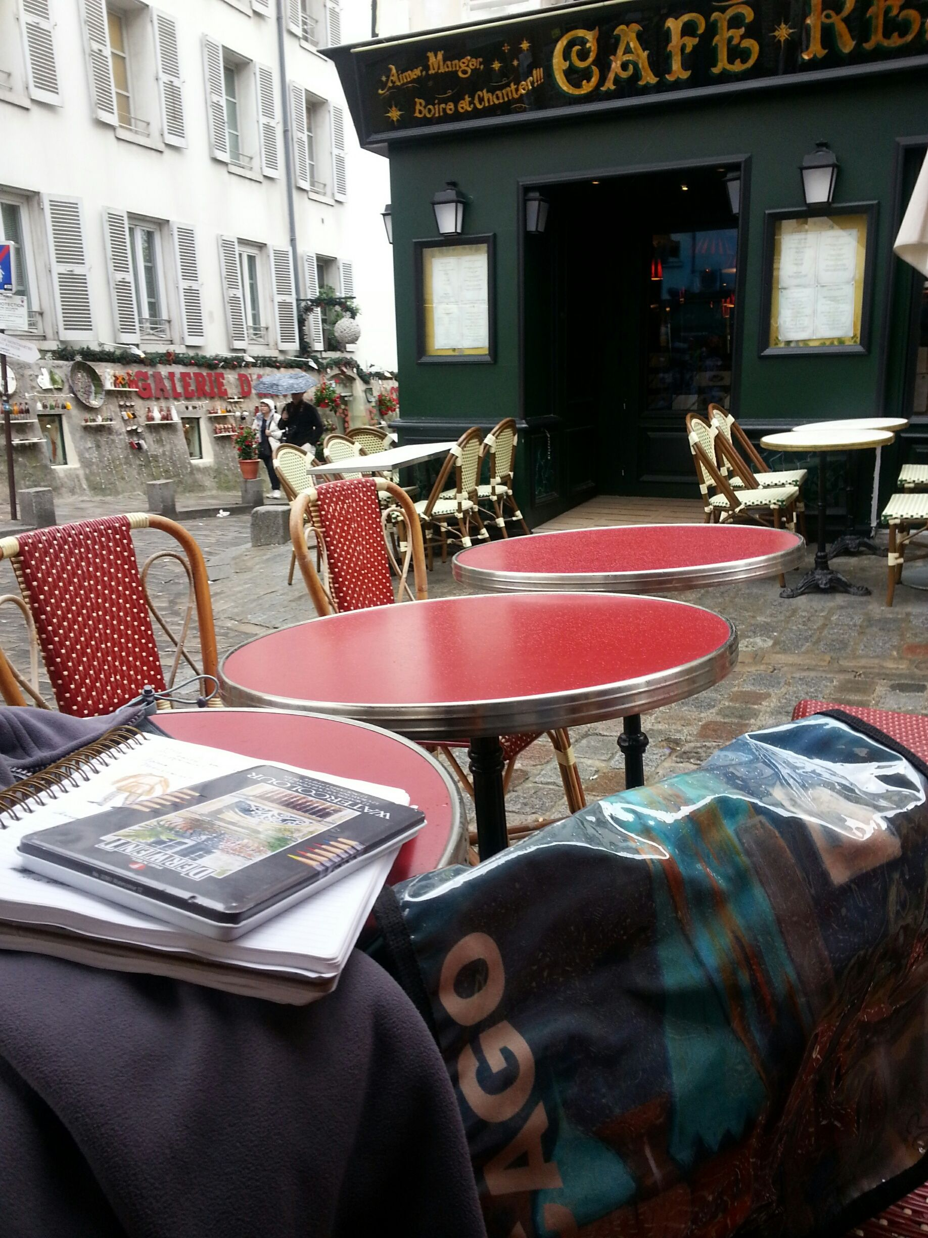 BrendyArt Messenger Bag at a Café in Paris...