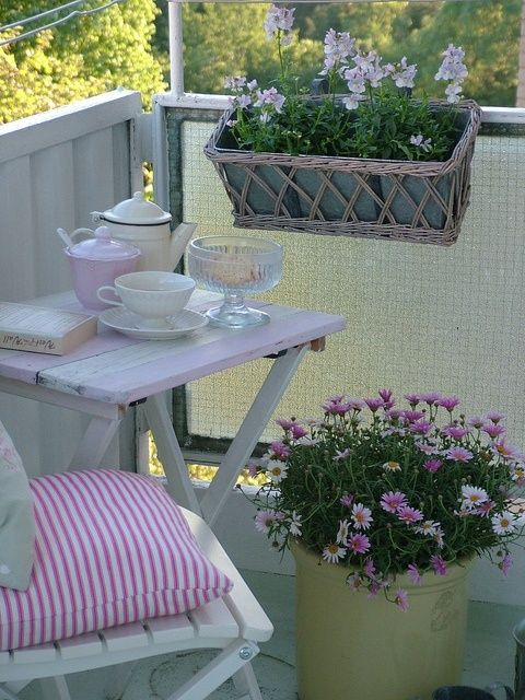 Idee per arredare un balcone piccolo | Balkon, Balkongarten und Gärten