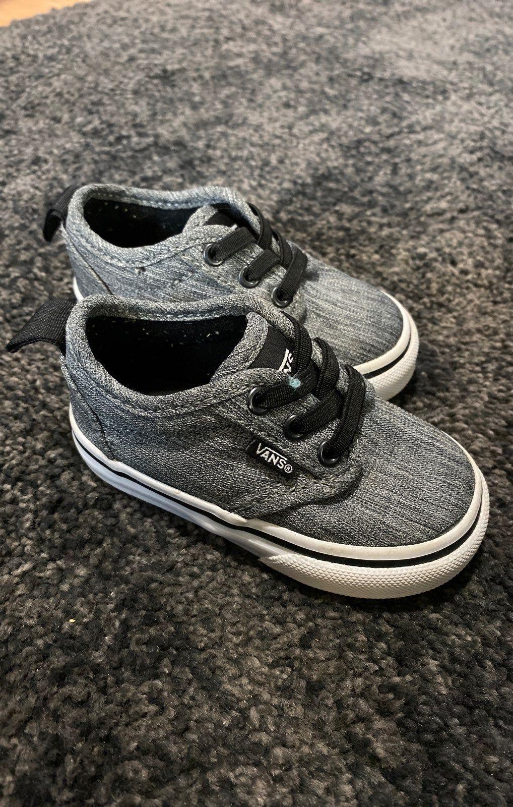 vans trainers size 4