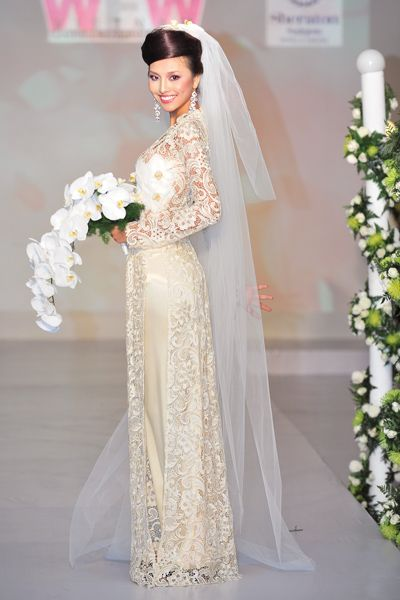 e154be77491 all lace flaps over silk bodice. all lace flaps over silk bodice Traditional  Vietnamese Wedding