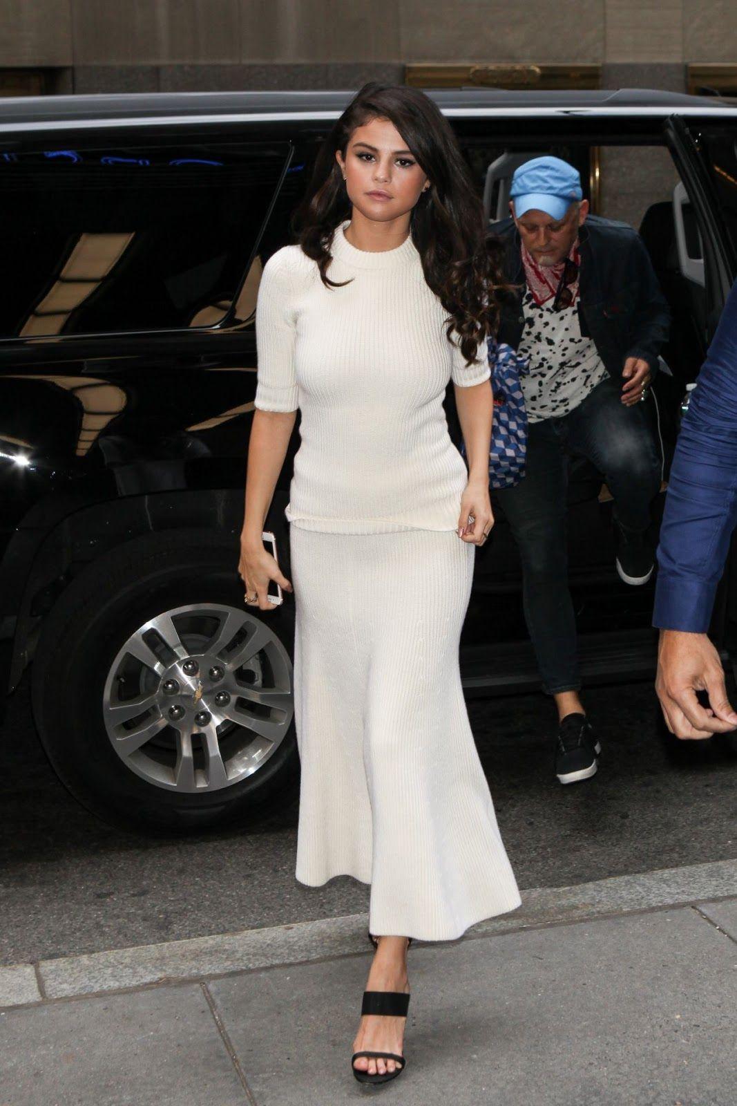 celebstills: Selena Gomez štýl - New York City, október 2015