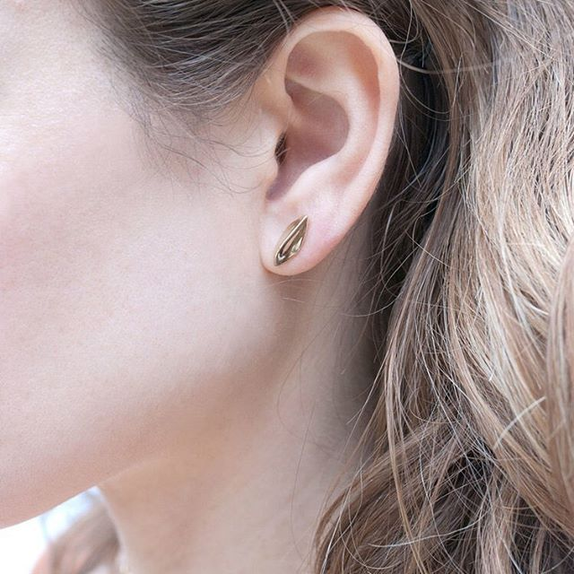 Simple Everyday Earrings Tide Stud In Gold