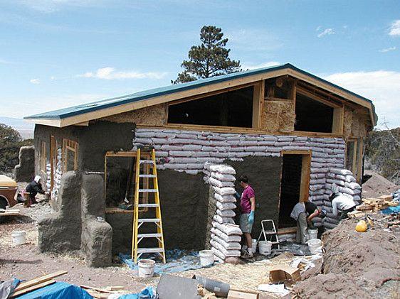 DIY earthbag house! Earthship Pinterest Construire, Terre et