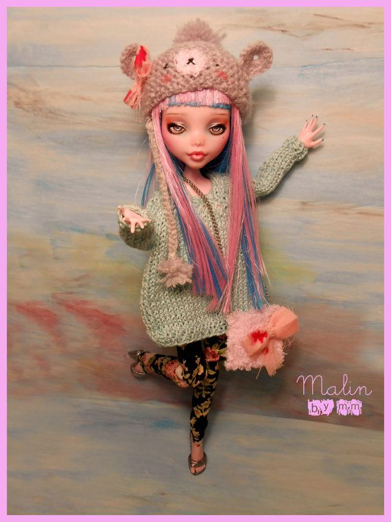 OPEN COMMISSION for a monster high REPAINT. €25.00, via Etsy.