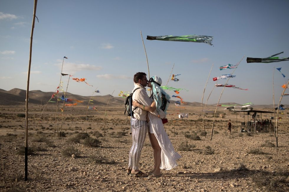 Le foto del Midburn, il Burning Man israeliano - Il Post
