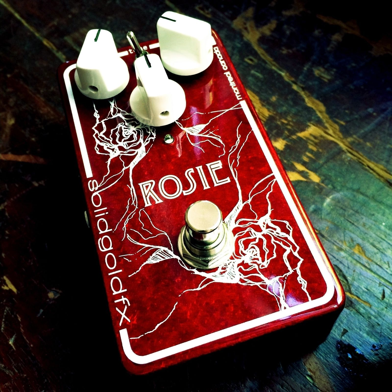 Don't forget to check out the give away we have going on right now! The Rosie is an incredible Fuzz made by Solid Gold FX. Make sure to go follow @solidgoldfx then follow the link in our bio section to enter to win this legendary FUZZ! #solidgoldfx #sgfx #sgfxfuzz #rosie  #rogueguitarshop #rosiefuzz #tonebender #tonebendermkii #mkII #jfet #silicon #bias #perfectwithalespaul #zeptones #vintagesoundmodernfeatures #fuzz #fuzzforever #pedaloftheday #giveaway #tonefordays #cleantone #tone…