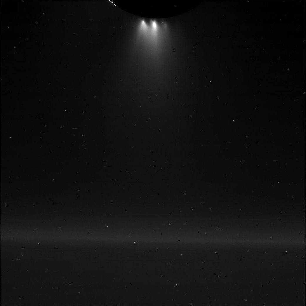 cassini completes final flyby - HD 1041×1041