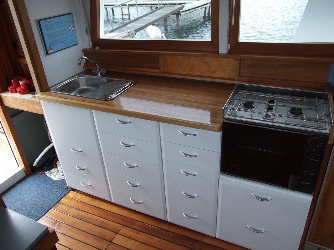 Caravan Kitchen Benchtops Interior Of Caravans Google Search Kitchen Benchtops Diy Caravan Kitchen