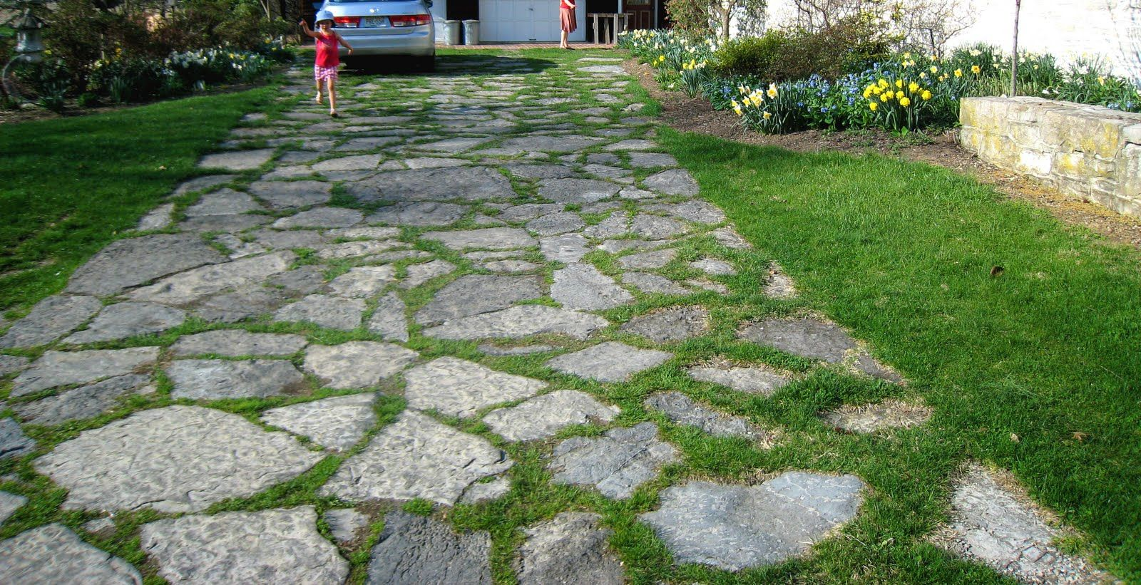 5 Design Ideas from Italy (With images) Grass driveway