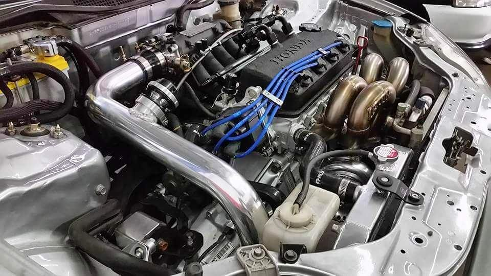 Overall, Teng's EK Civic is a clean build, ready for the show and