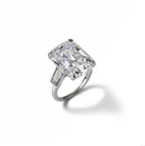 Grace Kelly  O anel de noivado foi encomendado pelo príncipe Rainier à Cartier