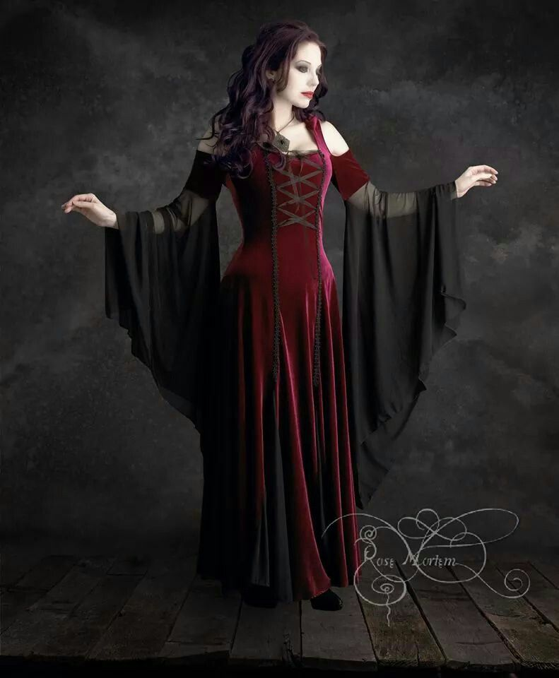 Discount Fantasy Fairy Medieval Gothic Wedding Dresses: Renaissance Dresses, Vampire