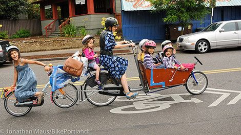 Portland mom's 7-person cargo bike stolen.#Brussels #Bruxelles #Brussel #bikeemotion