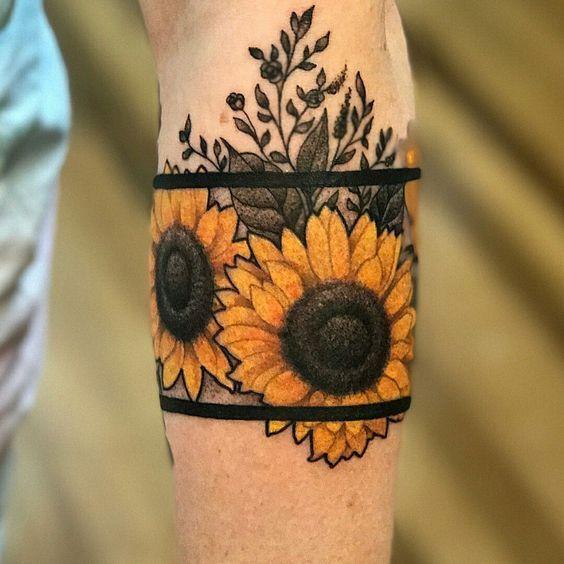 Beliebte Sonnenblumen Tattoo Ideen für Sie
