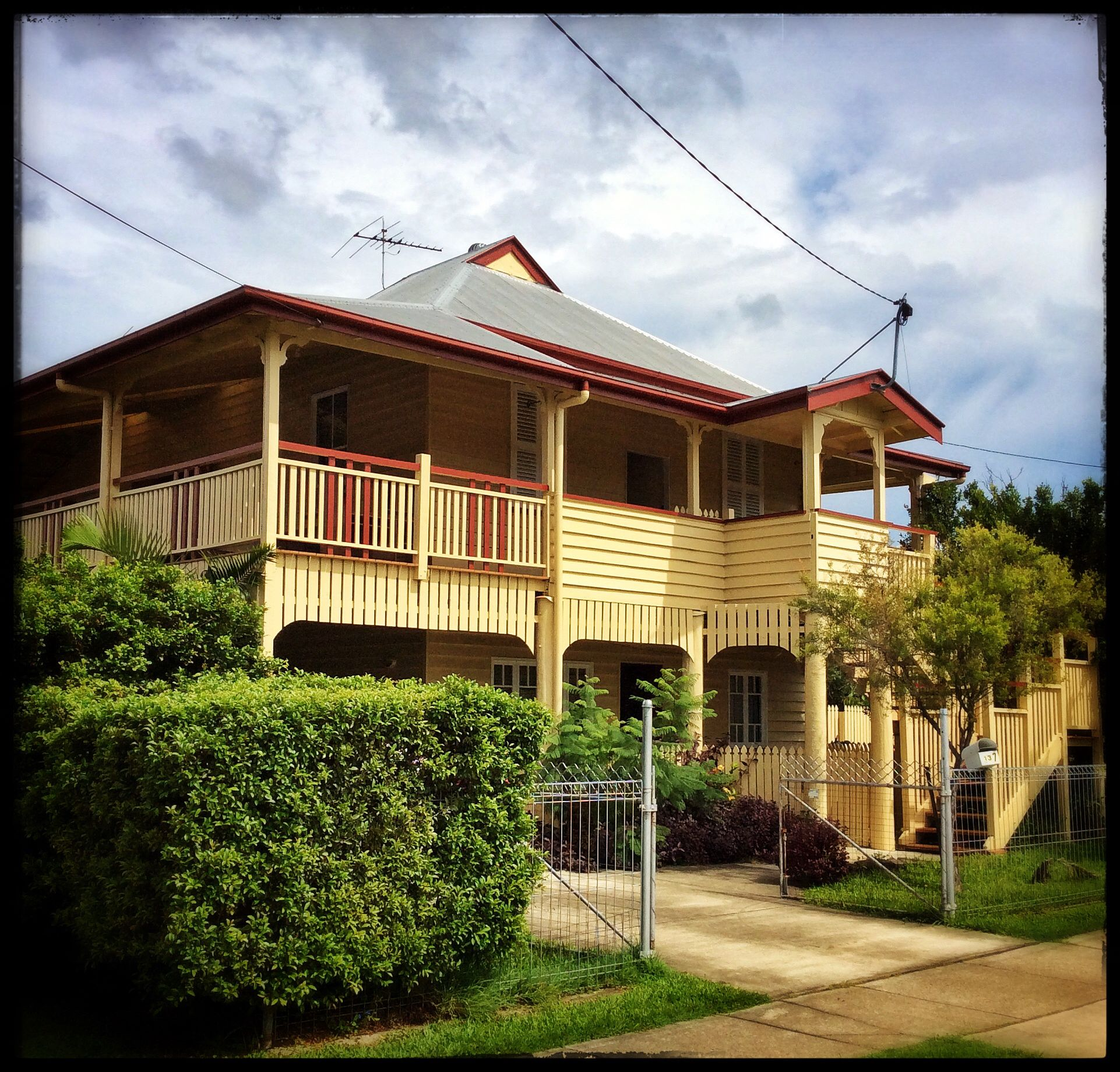 'Old Queenslander' In Cannon Hill, Qld. March 2015