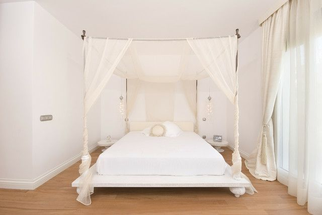 Schlafzimmer romantisch Baldachin großes Doppelbett   bedrooms ...