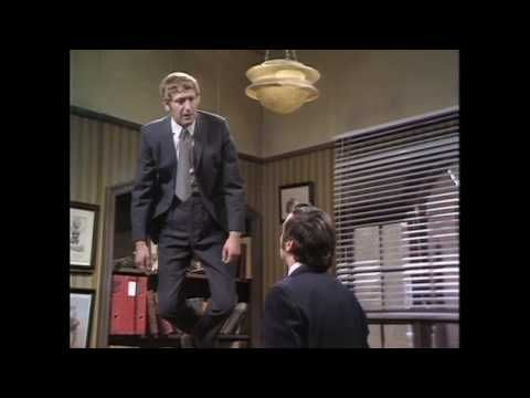 Monty Python's The Flying Circus - Flying lesson