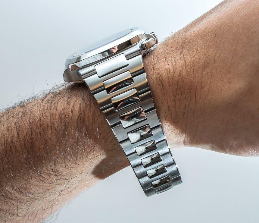 separation shoes e33df 6c19b Patek Philippe 5990/1A (5990) Nautilus Steel Watch Hands On ...