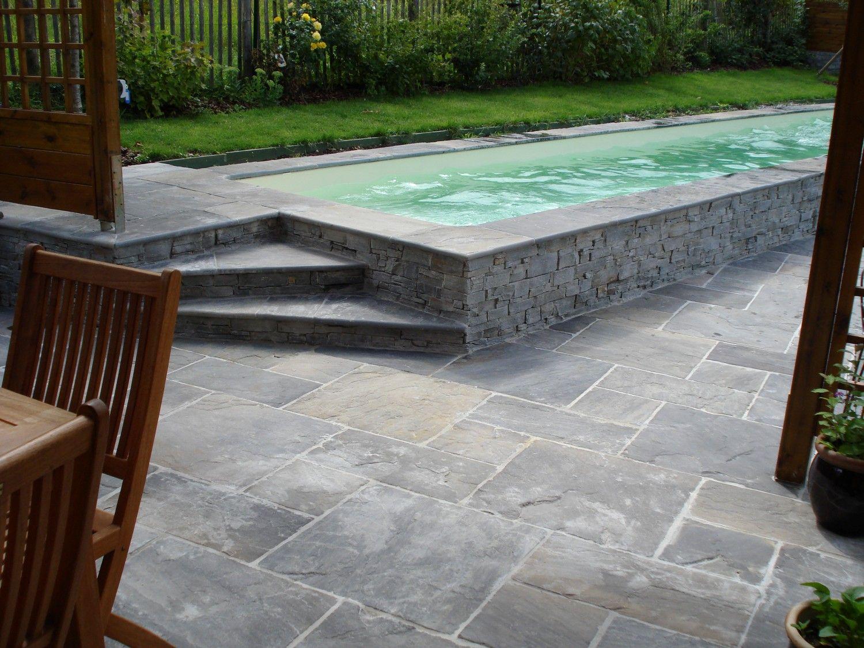 voici un autre style de piscine en pierre naturelle outdoor by capri bouz pinterest indoor. Black Bedroom Furniture Sets. Home Design Ideas