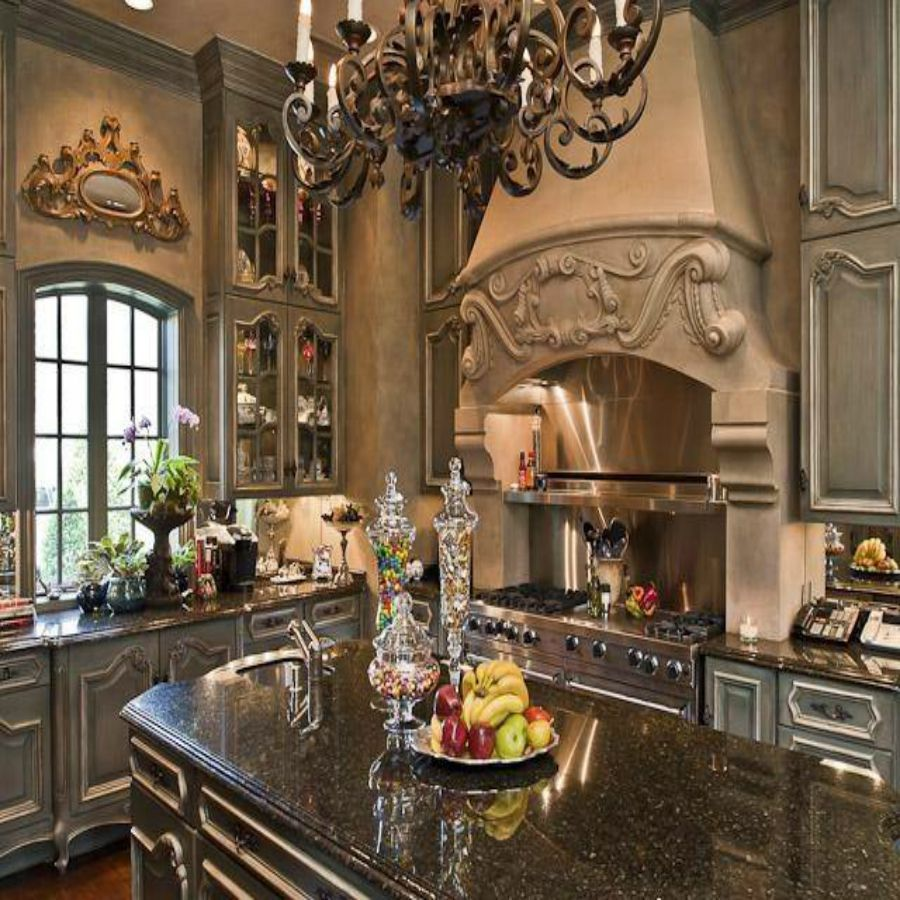 16 Absolutely Gorgeous Mediterranean Dining Room Designs: Gorgeous Details In This Mediterranean Kitchen
