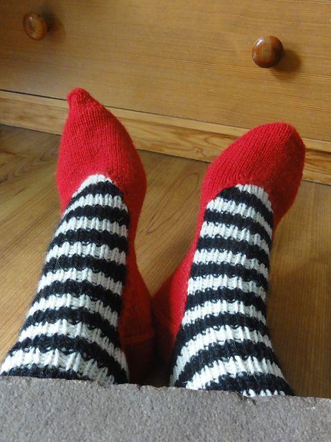 Wicked Witch House Socks pattern by Anna Schürmann | Stricken ...