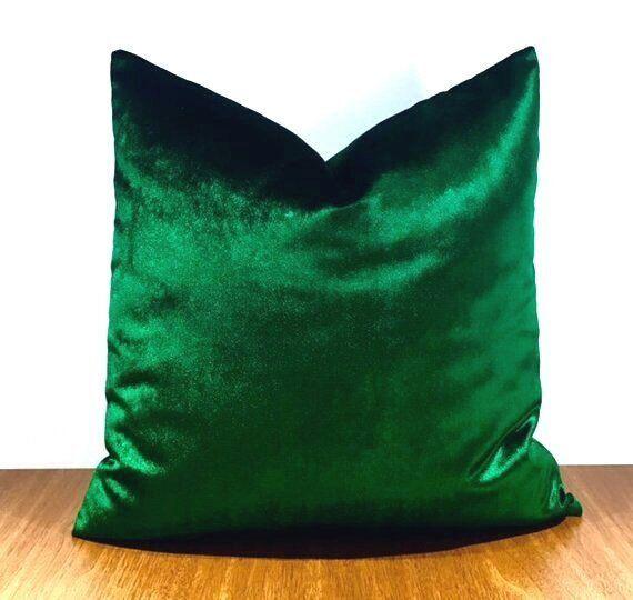 Peachy 20 Luxury Emerald Green Velvet Throw Pillows Velvet Pillow Ibusinesslaw Wood Chair Design Ideas Ibusinesslaworg