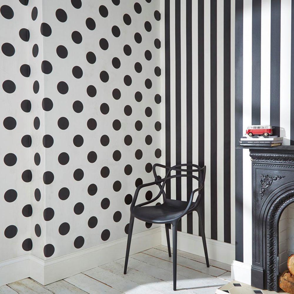 Black And White Monochrome Stripe Wallpaper