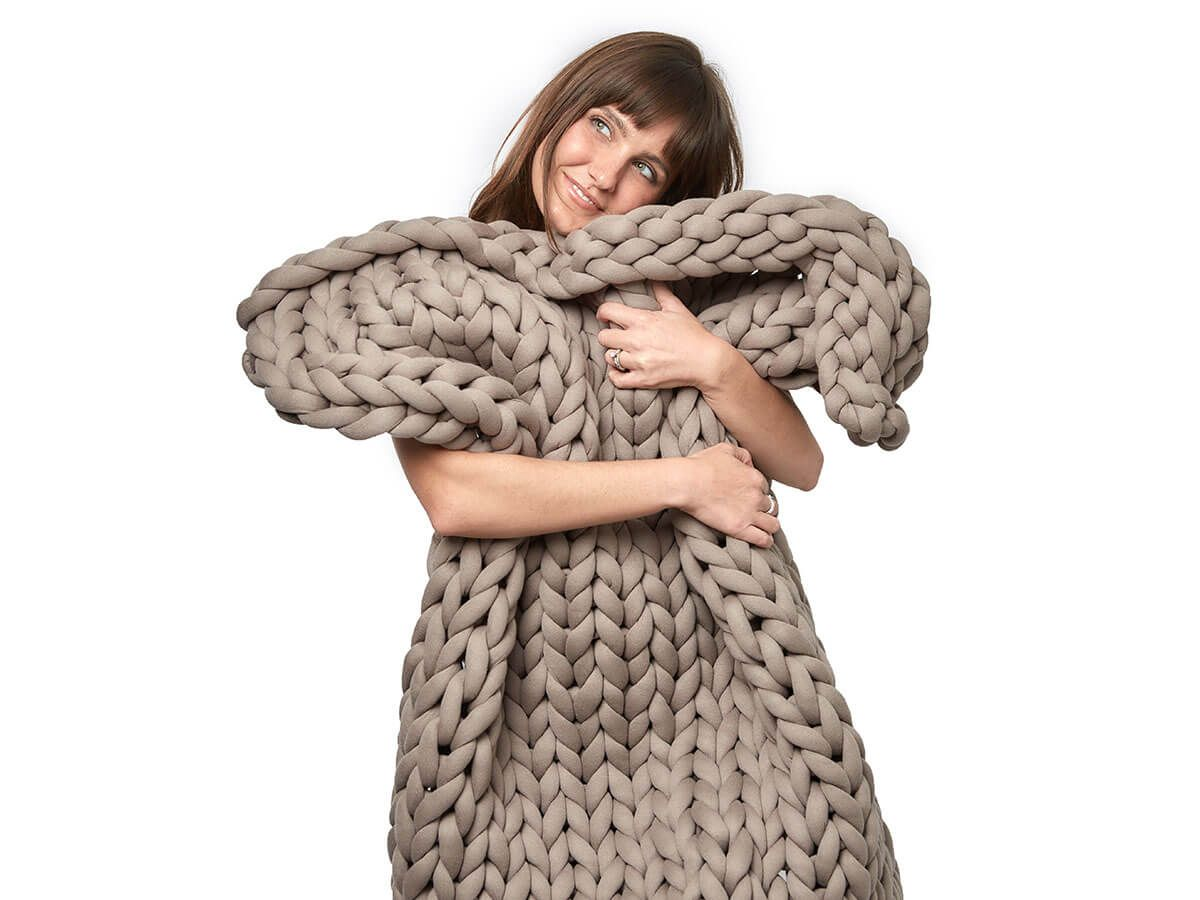 The yaasa weighted blanket the blanket that hugs you