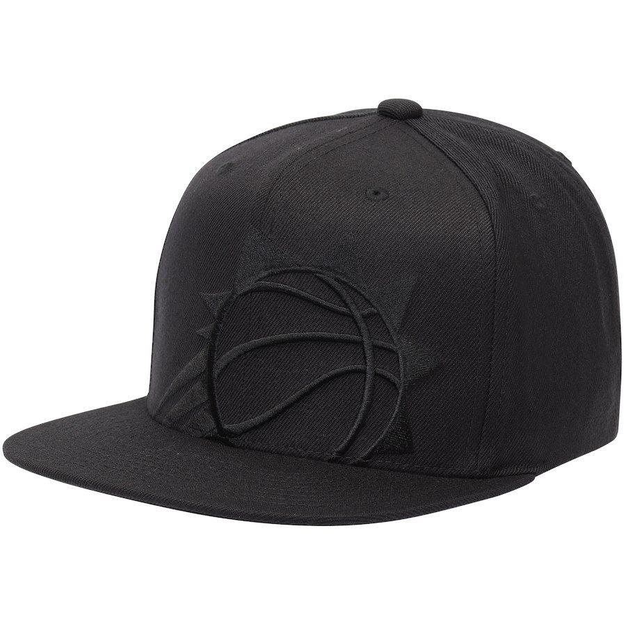 a42179c9ad7 Men s Phoenix Suns Mitchell   Ness Black Cropped XL Logo Snapback  Adjustable Hat