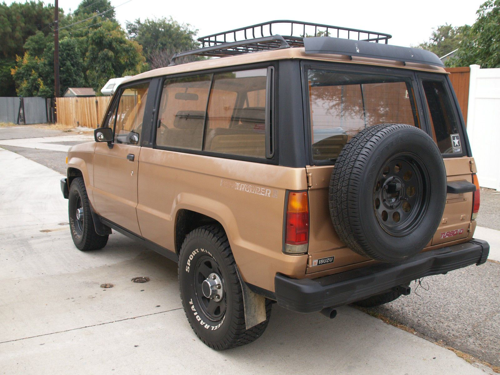 1986 isuzu trooper dlx turbo diesel 4x4 2 door manual transmission turbo  [ 1600 x 1200 Pixel ]