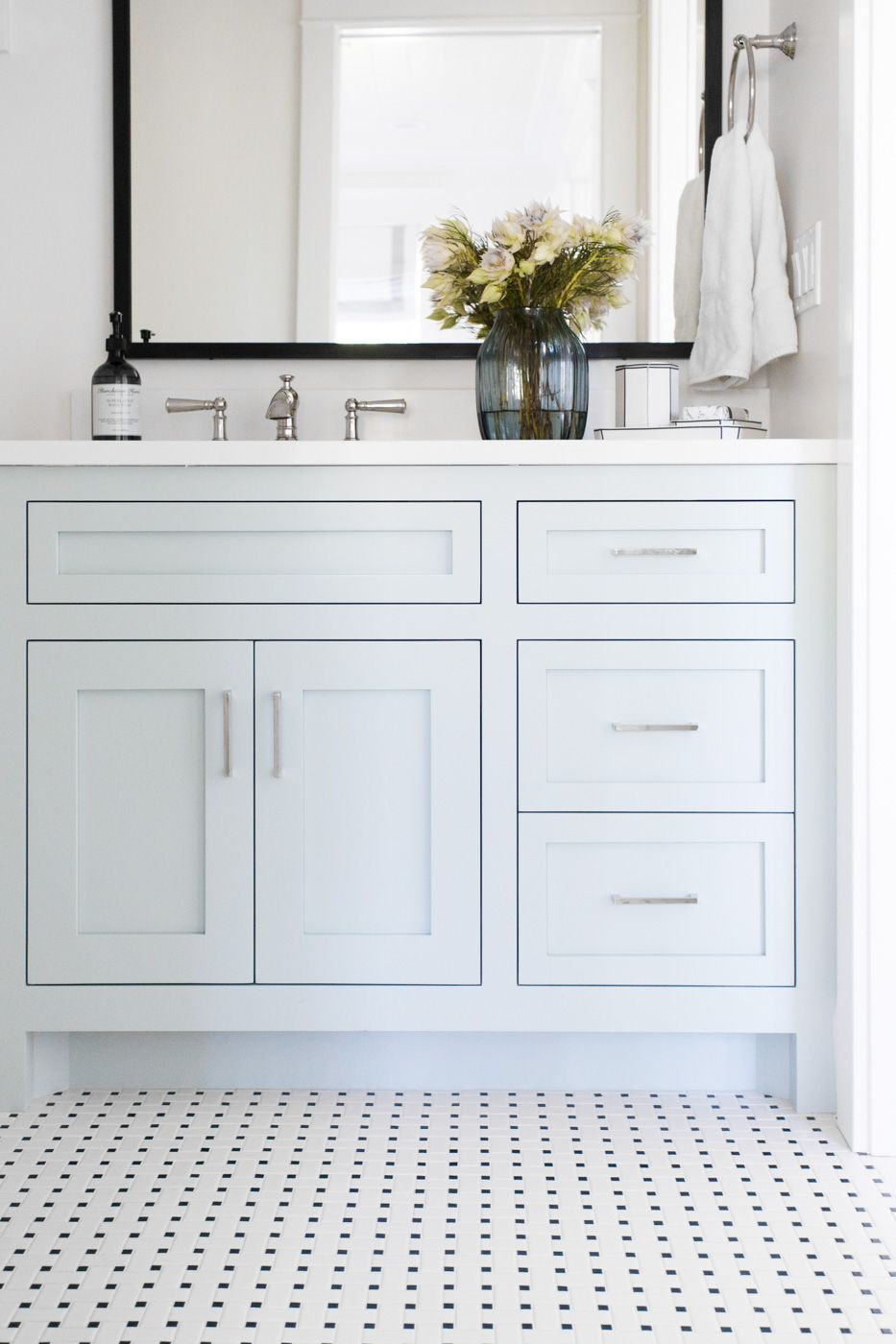Black And White Tile With Benjamin Moore Woodlawn Blue Cabinets