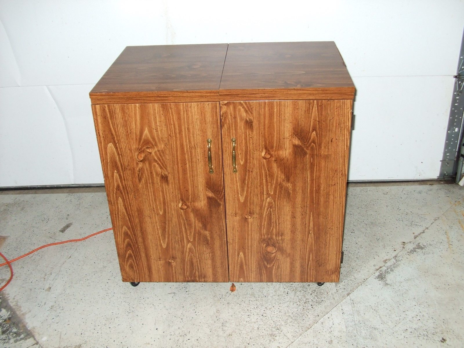 Nice Sewing Cabinet With Electric Motorized Lift With Lots Of Extras!!!!