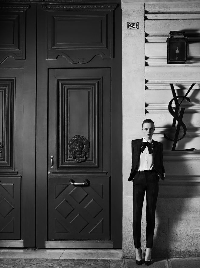 Hedi Slimane Reinvente L Esprit Couture D Yves Saint Laurent Yves Saint Laurent Saint Laurent Mode