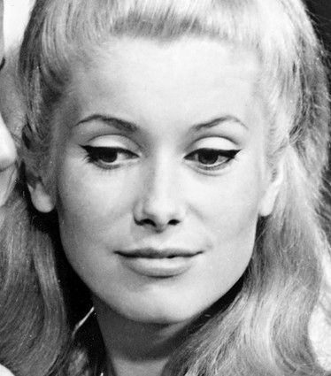 perfect cat eye on catherine deneuve