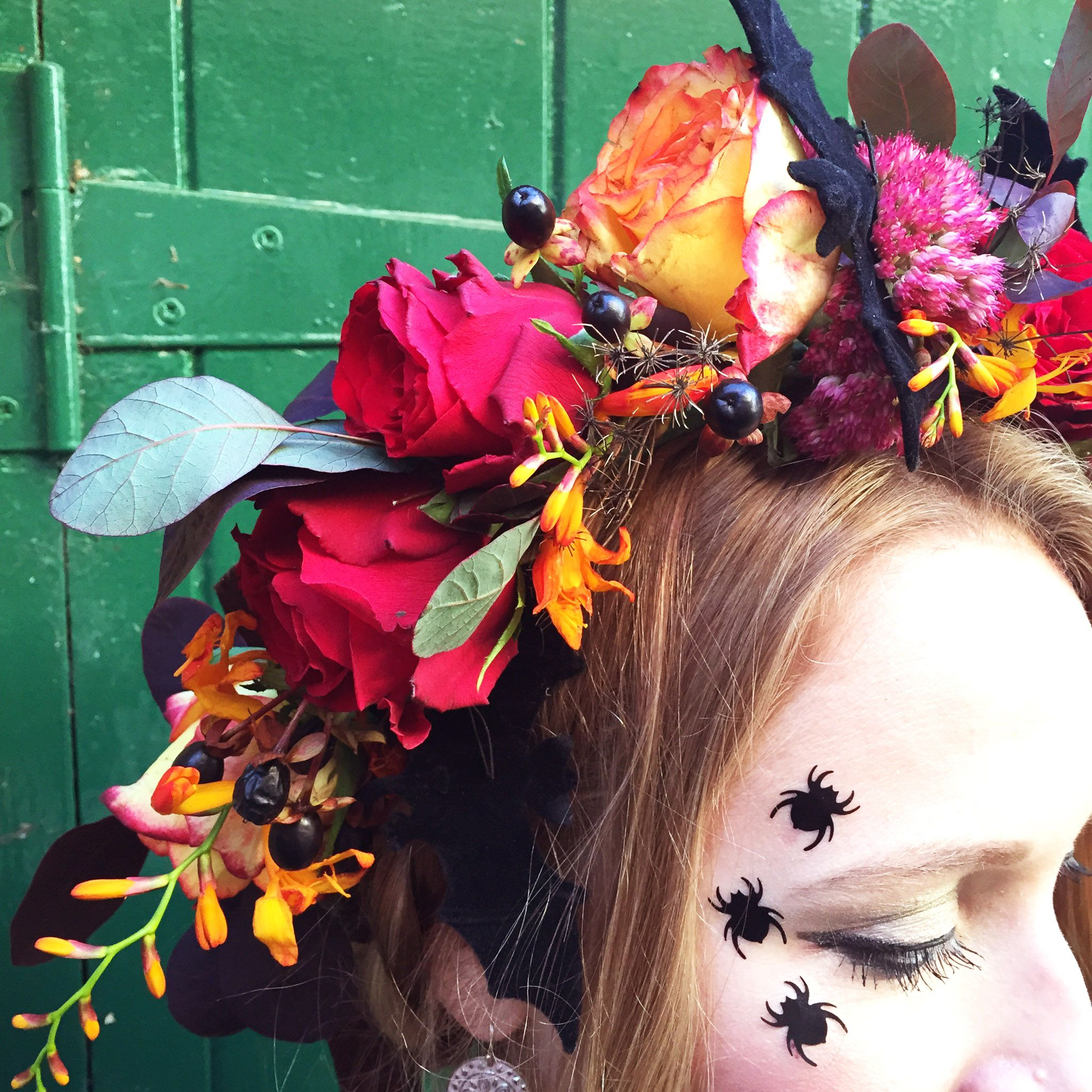 Make a Halloween Headdress workshop! Friday 30th October, 7-8.30pm, Betty Blythe Vintage Tea rooms, Brook Green, London.  Bookings at www.heavenlyheaddress.com